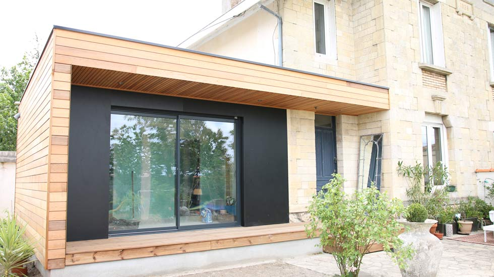 Extension agrandissement de maison en bois design for Agrandissement maison garage